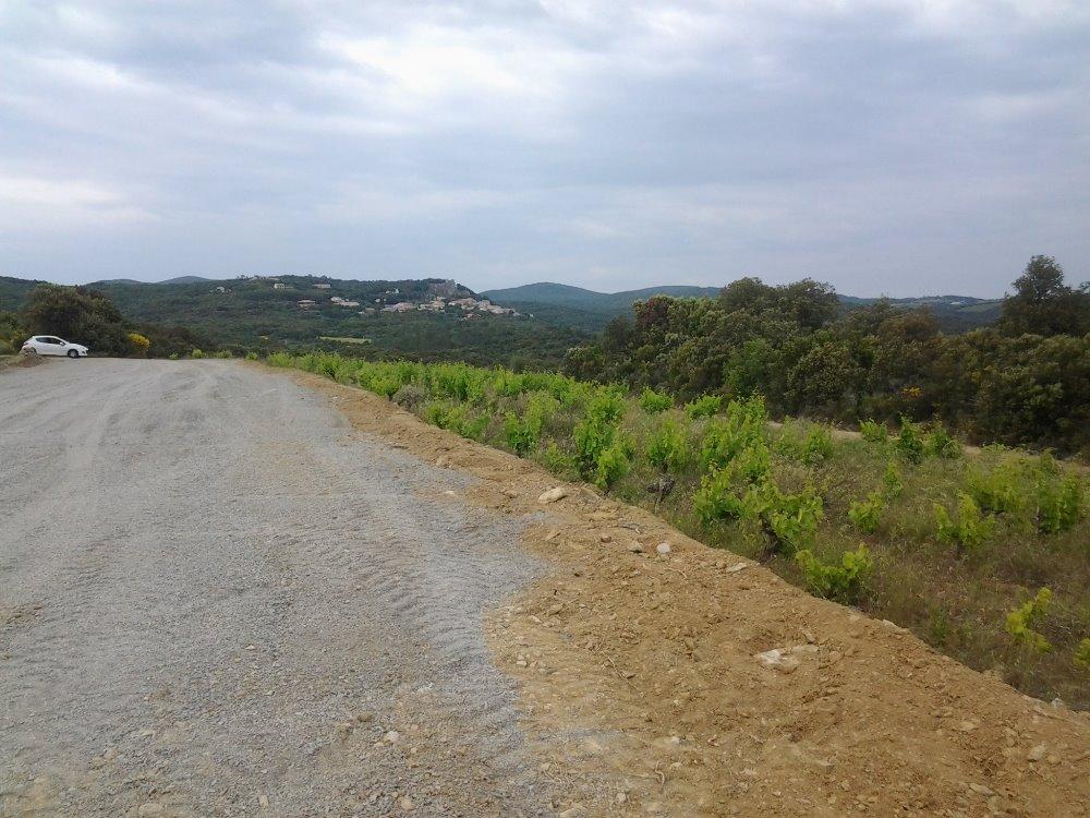 Aire camping-car à Roquessels (34320) - Photo 2